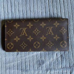 Louis Vuitton monogram bifold wallet (Large)